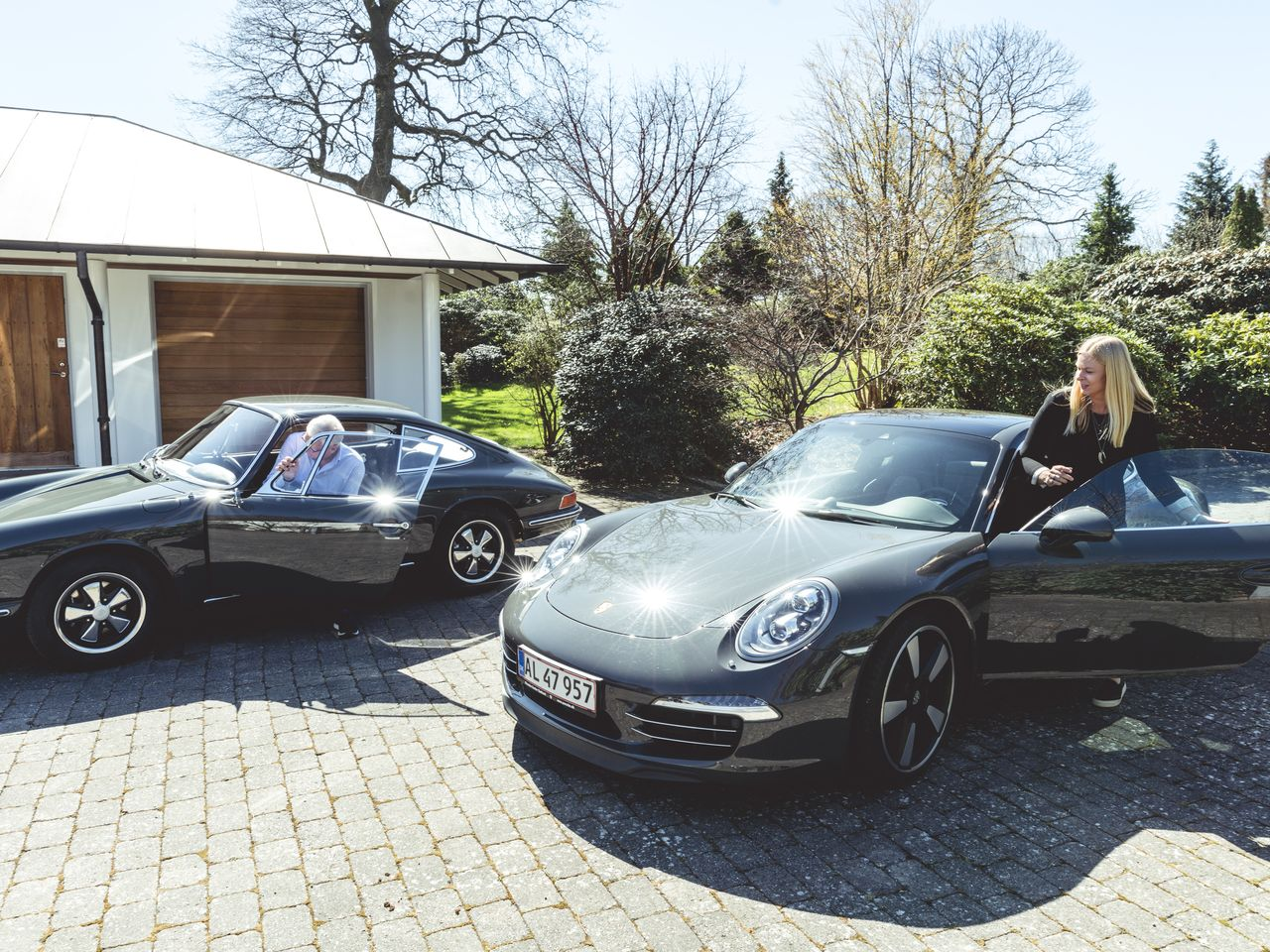 Father and daughter also enjoy driving for fun. On that day Lars Erik Nielsen drove a 1967 Porsche 911 with 130 hp, and Christina Nielsen a Porsche 911 Carrera S, of which 1,963 were made in 2013 to mark the model's fiftieth anniversary.