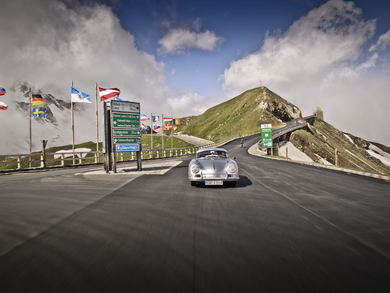 ... The following models, among others, were on hand on the Grossglockner: The 356 A Speedster with Hardtop