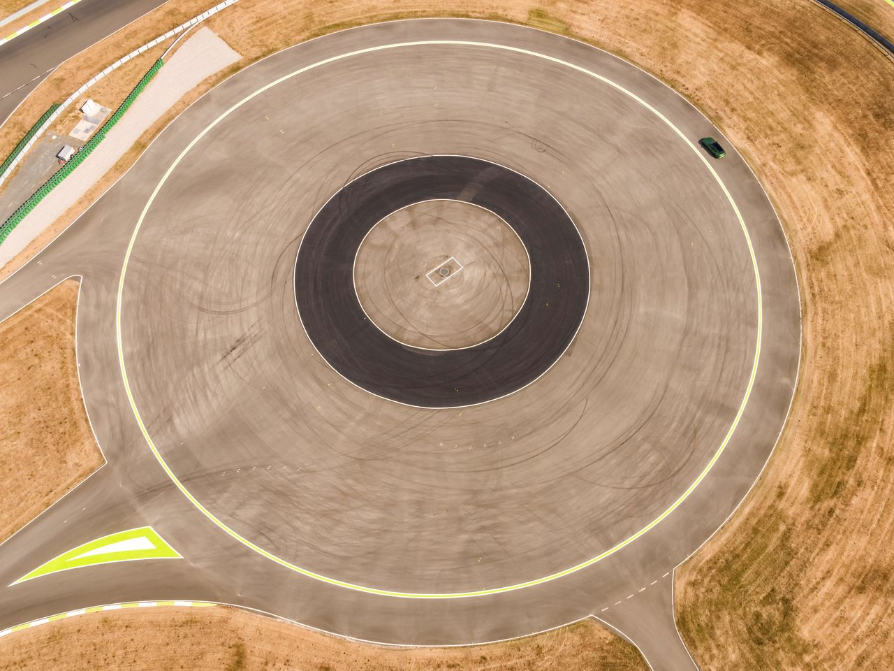 Skid pad | This training track for handling unstable driving conditions can also be flooded.